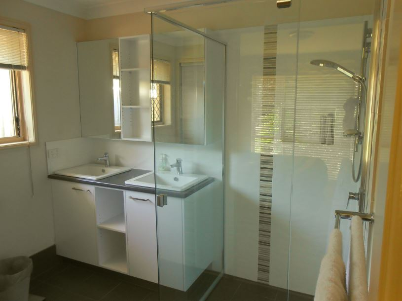 New 80 bathroom renovations brisbane southside decorating for Ensuite bathroom renovation ideas